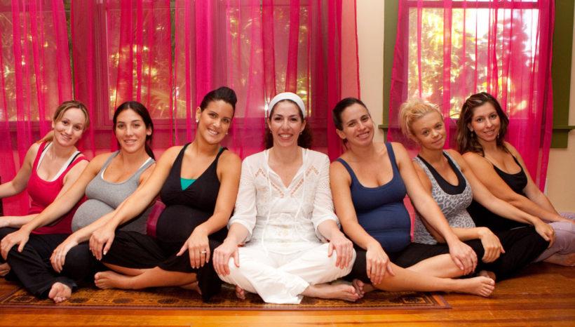 pregnant mamas group photo